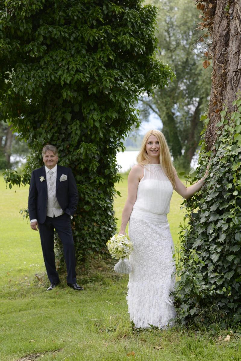 Hochzeitsfotos auf der Fraueninsel: Variation mit Bäumen © Werner Blauhorn