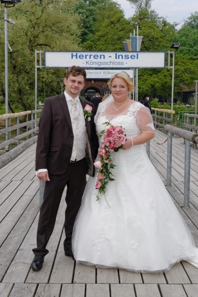 Hochzeitsfotos auf der Herreninsel an der Schiffanlegestelle © Werner Blauhorn