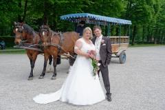 Hochzeitsfoto auf der Herreninsel vor der Pferdekutsche © Werner Blauhorn