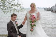 Hochzeitsfoto auf der Herreninsel am Chiemsee-Ufer© Werner Blauhorn